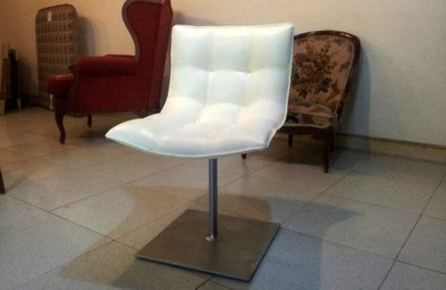 Tapizado-silla-blanca-barra-ecopiel-tapiceria-gayarre-en-pamplona-navarra